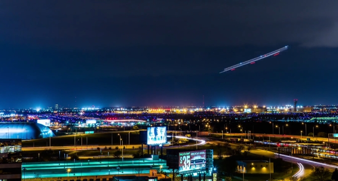 Man captures stunning time lapse of planes landing, taking off at O'Hare